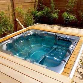 Timber construction - Decked jacuzzi - AB Jardin Sarl